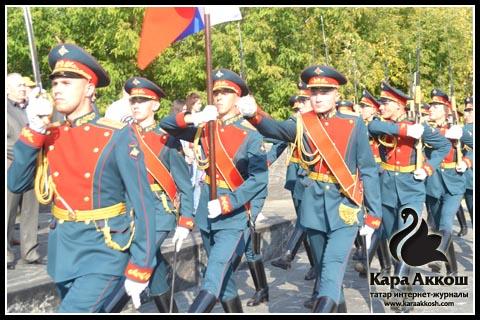 Парад Памяти в честь легендарного поэта-героя
